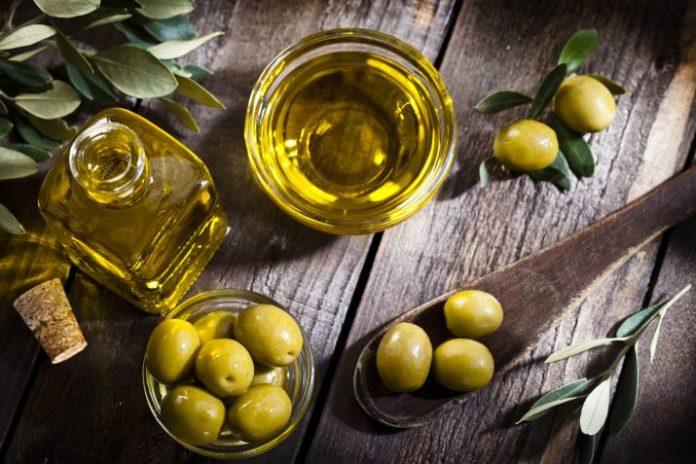Beneficios de la Aplicación de Aceite de Oliva en la Piel